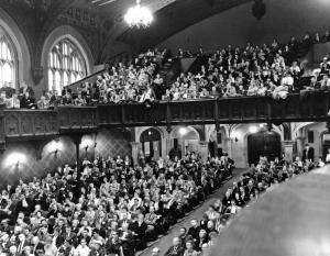Attendees of the Darwin Centennial Celebration, held at the University of Chicago from November 24 through November 28, 1959.